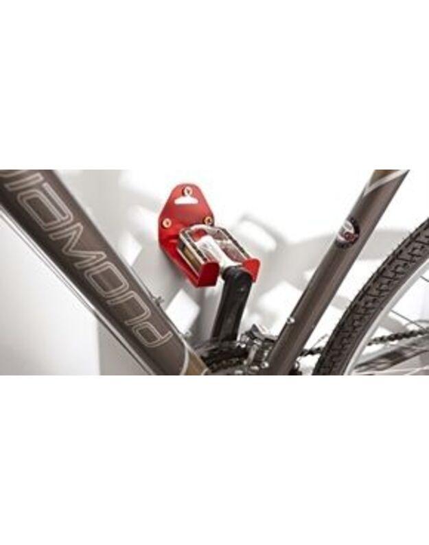 Dviračio laikiklis už pedalo